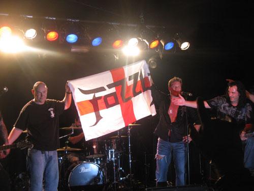 Fozzy flying the UK flag