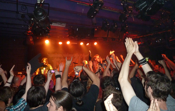 Chris Jericho & Rich Ward of Fozzy milking the crowd